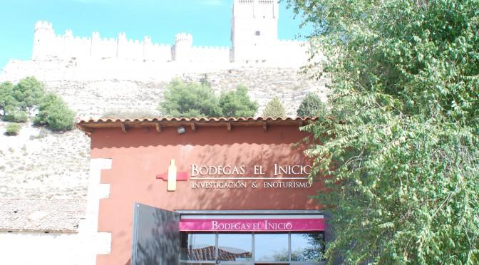 Bodegas El Inicio, a las faldas del castillo de Peñafiel